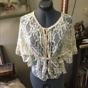Gathered Kimono-Sleeved Lace Cover
